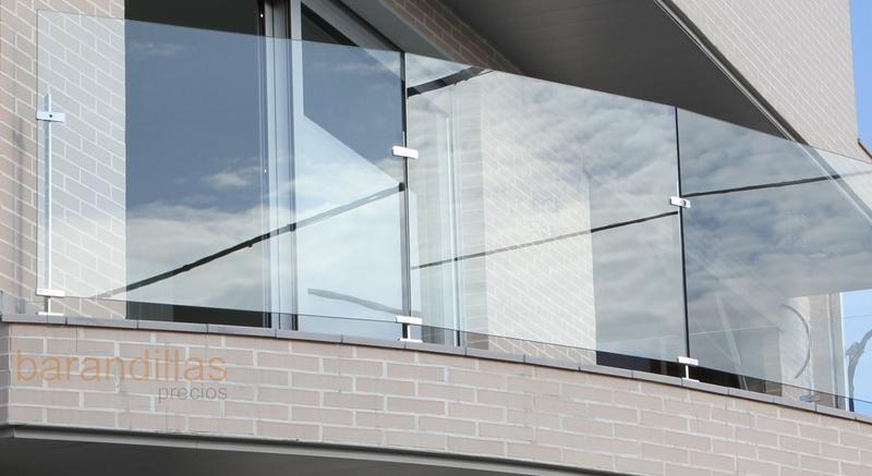 Cristal v4 barandillas for Barandilla escalera exterior
