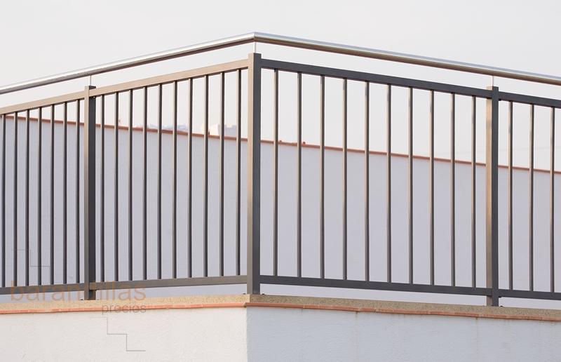 Hierro h1 barandillas for Barandilla escalera exterior