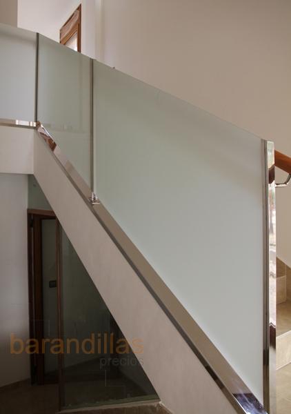 Cristal vi5 barandillas for Escalera exterior de acero galvanizado precio