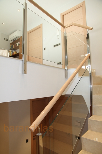 Cristal vi7 barandillas - Escaleras de cristal y madera ...