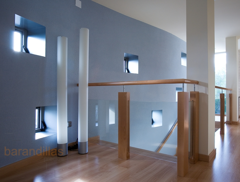 Cristal vi9 barandillas - Barandillas de madera para interior ...