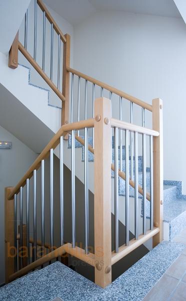 Madera f7 barandillas for Barandillas escaleras interiores precios